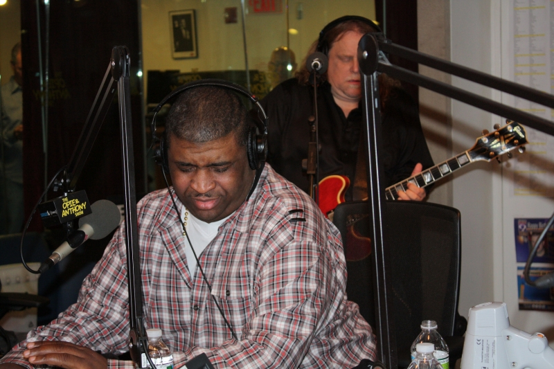 Patrice singing with Warren Hayes on O & A